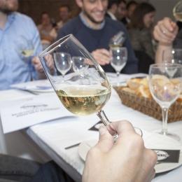 Initiation à la connaissance et à la dégustation des vins pour 1 personne - TOURS